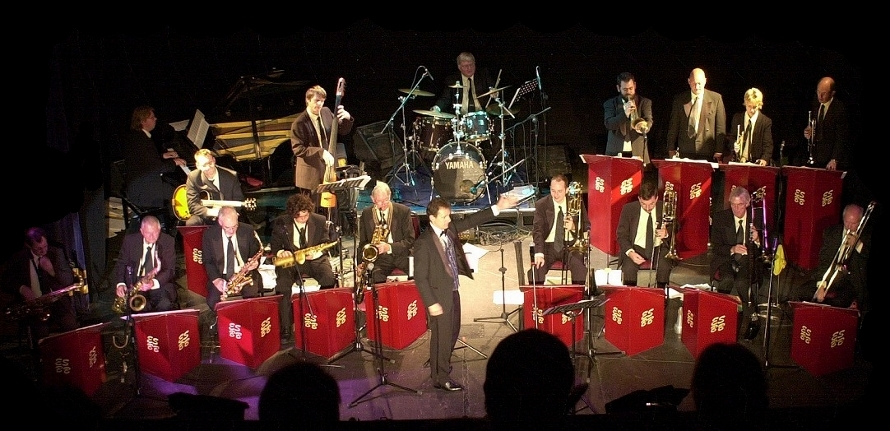 <b>Big Band</b> - An exciting 18-piece orchestra of highly talented musicians able to play for any function, be it wedding, corporate event, birthday, anniversary or dinner-dance.